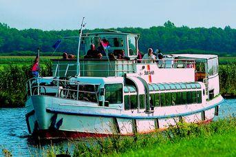 Kanalfahrt mit der MS Stadt Aurich nach Aurich
