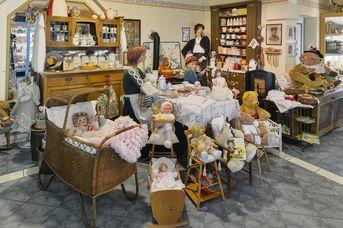 Ammerländer Spielzeugmuseum + Bären und Puppenparadies